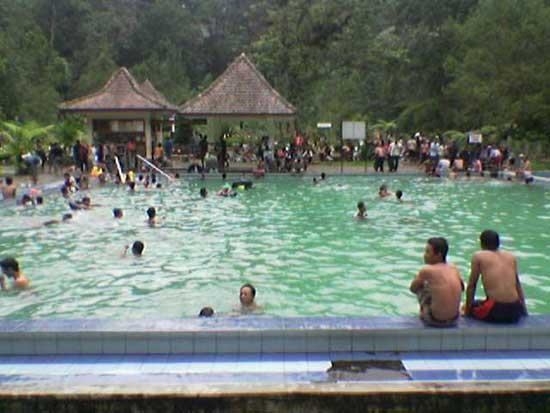 Wisata Pemandian Cangar Batu Malang