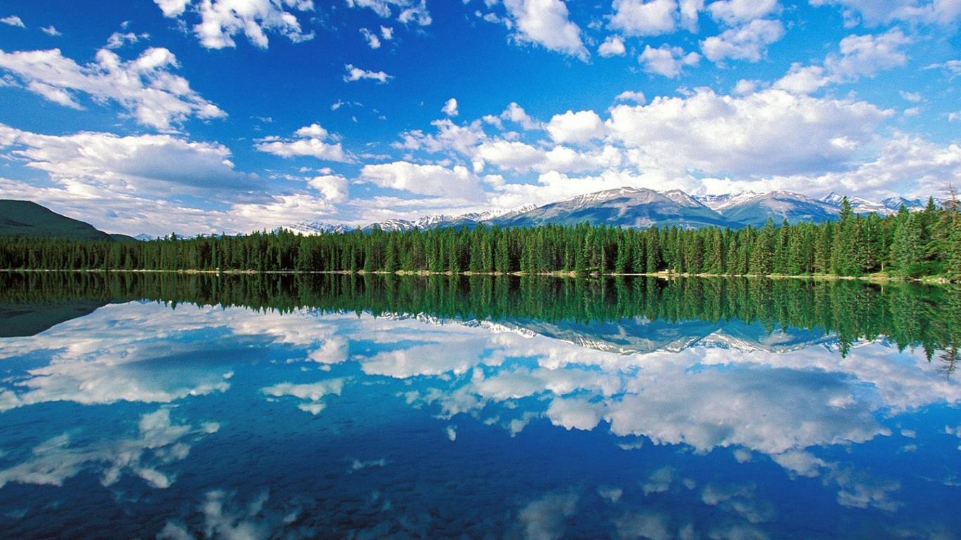 http://1.bp.blogspot.com/-PASSfkhb8fc/TtxJGoKQxhI/AAAAAAAAAt0/3t5o_90qnSM/s1600/lake-wallpaper-hd-6-782535.jpg
