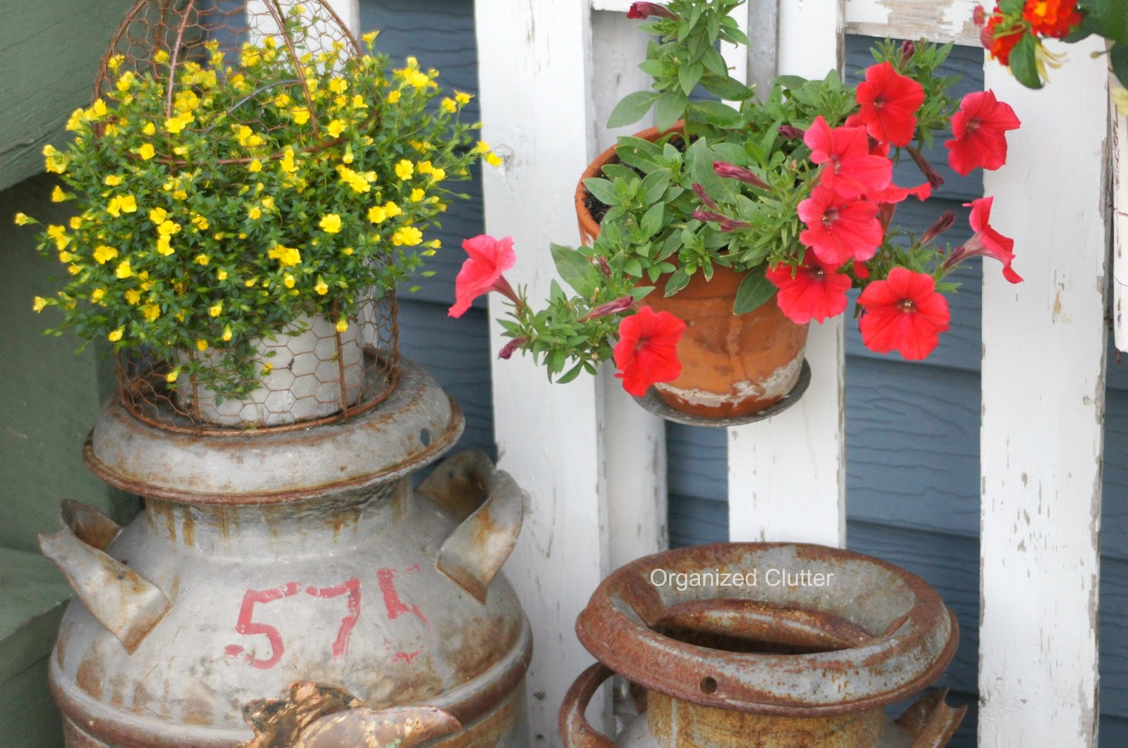 Rustic Garden Decor www.organizedclutterqueen.blogspot.com