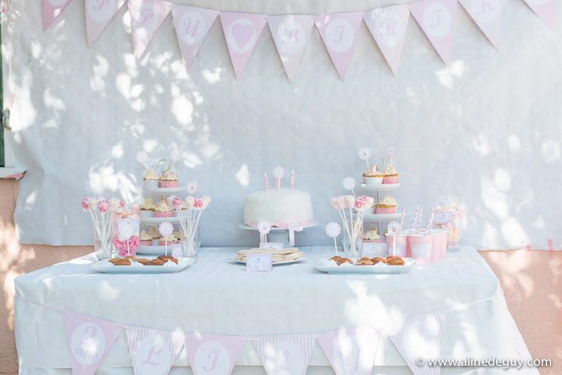D coration anniversaire rose et blanc le candy bar for Decoration 1 an fille