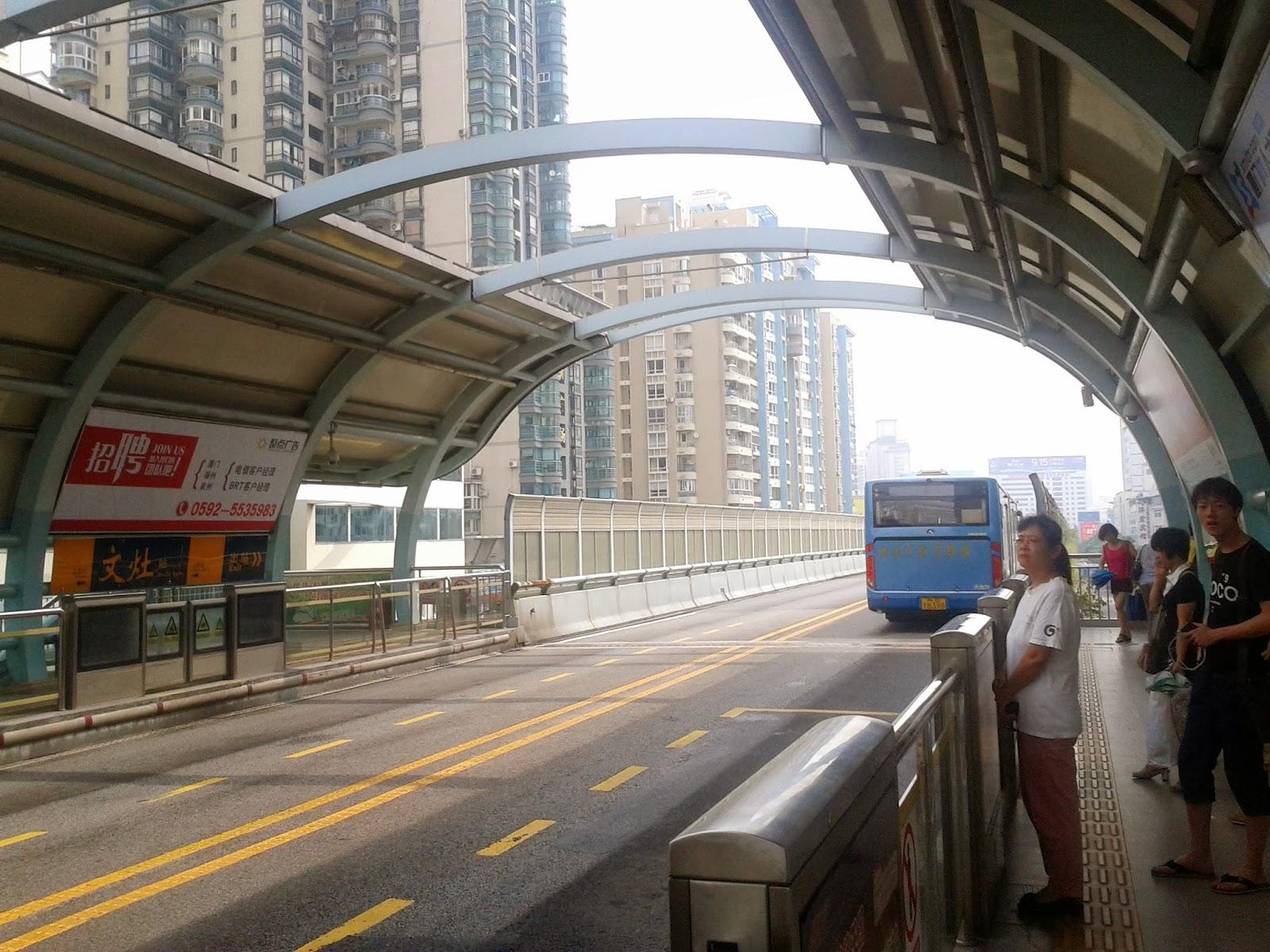 xiamen s impressive brt service runs on elevated viaducts