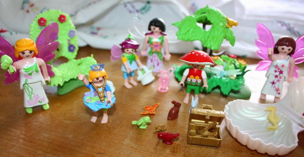 playmobil in yard sale