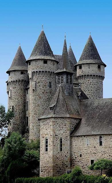 """Val: castillo que parece hecho para la """"Bella durmiente"""""""