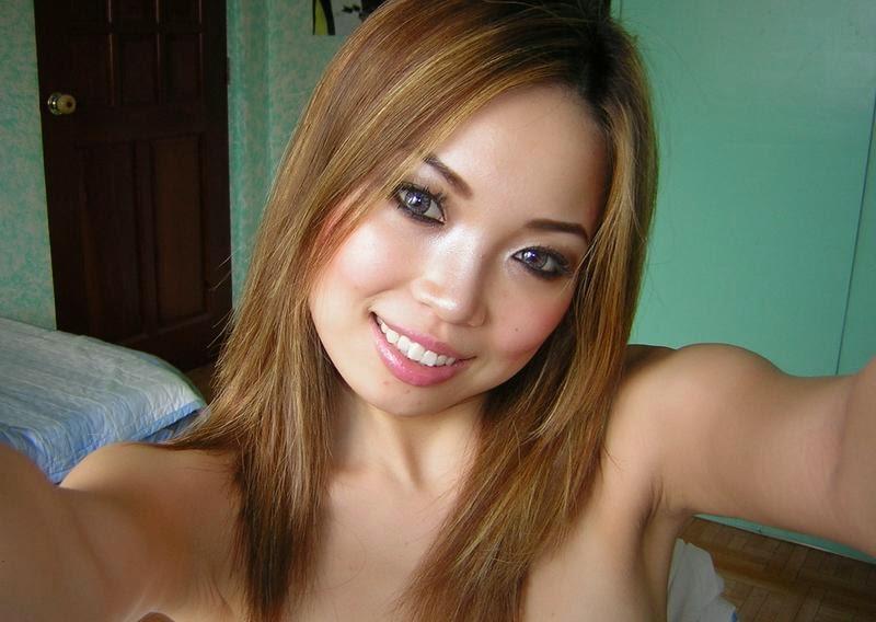 Tante Julia Perex [JUPE] Toket Gede Foto Selfie Telanjang Menggoda