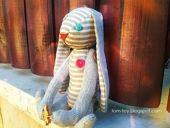 Fabric bunny with a link to free pattern