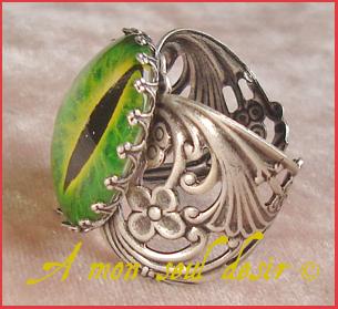 bague oeil yeux serpent dragon pupille fendue bijou gothique gothic gothik goth eye ring jewel snake