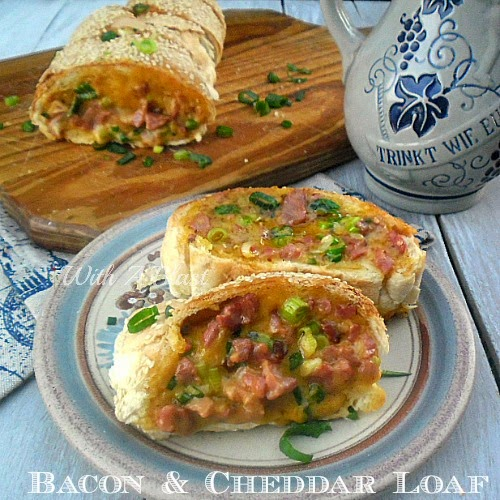 Bacon and Cheddar Loaf ~ Gooey cheese with crispy bacon make this a delectable sandwich ! #Sandwich #CheesyLoaves #BaconLove