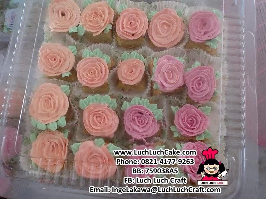 kue pink cantik daerah surabaya dan sidoarjo