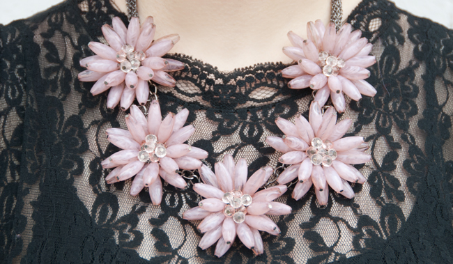 Happiness Boutique, flower necklace, pink statement necklace