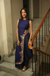Actress Manchu Lakshmi Picture Gallery at tur Talkies Trailer Launch  252814