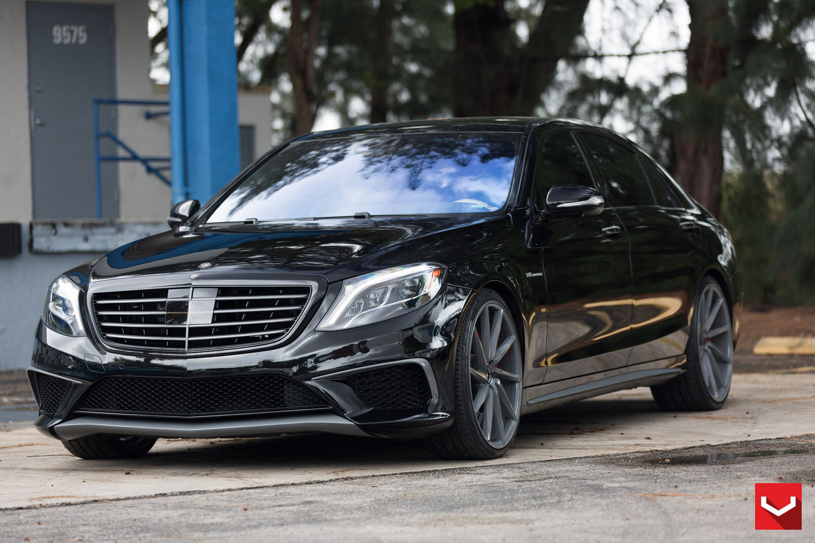 Mercedes benz w222 s63 amg on vossen cvt wheels benztuning for Mercedes benz wheels rims