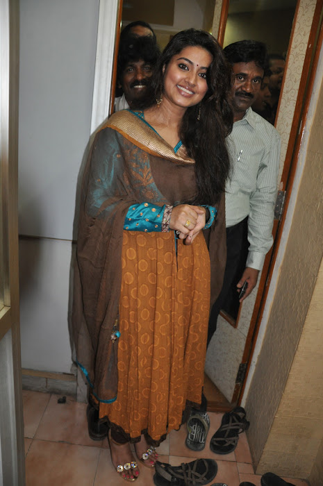 sneha new @ cafe chokolade launch hot images