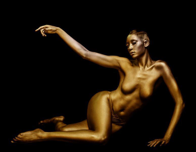 Authoritative Rainie yang naked body