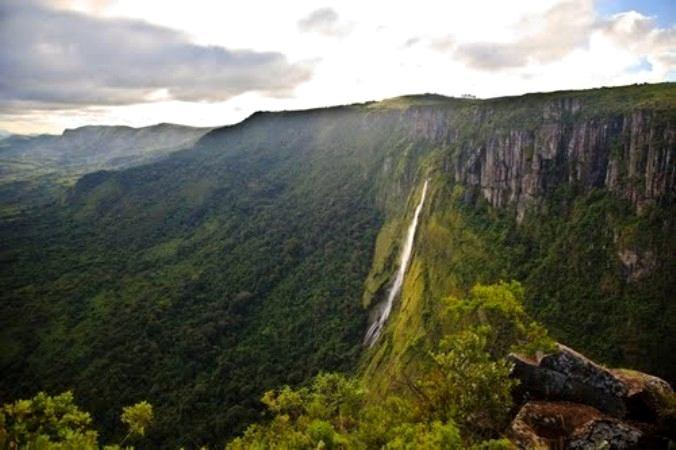Mutarazi Falls, Zimbabwe, Air Terjun tinggi Di Dunia