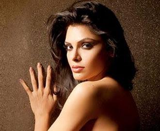 Foto Bugil Artis India Sherlyn Chopra Mejeng di Majalah Playboy