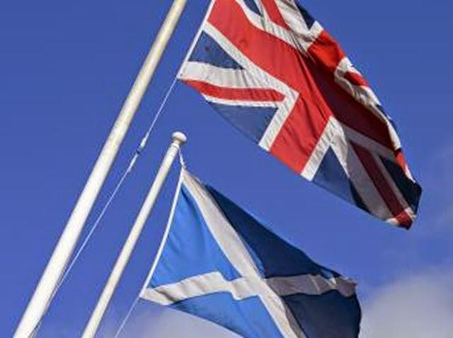 Bandeiras Reino Unido e Escócia
