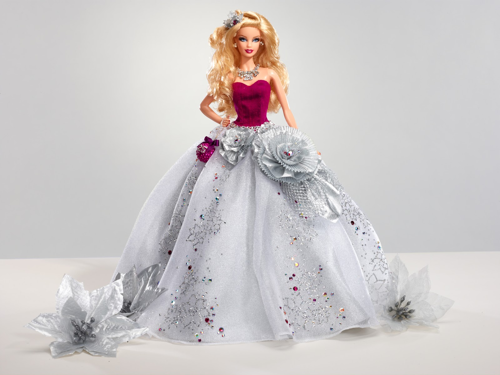 AROUND THE WORLD - BY DIVA QUEEN: Barbie's Divine Design ...