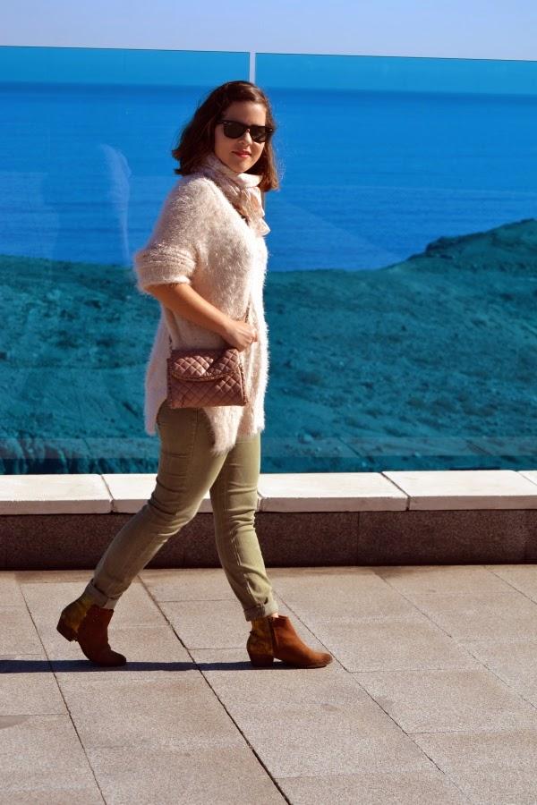 look_outfit_botines_DIY_purpurina_jersey_pelo_lolalolailo_01