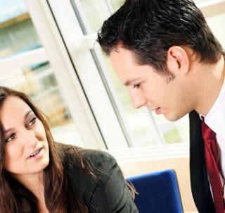 Penyebab, Akibat & Tips Menghindari Perselingkuhan di Kantor - www.iniunik.web.id