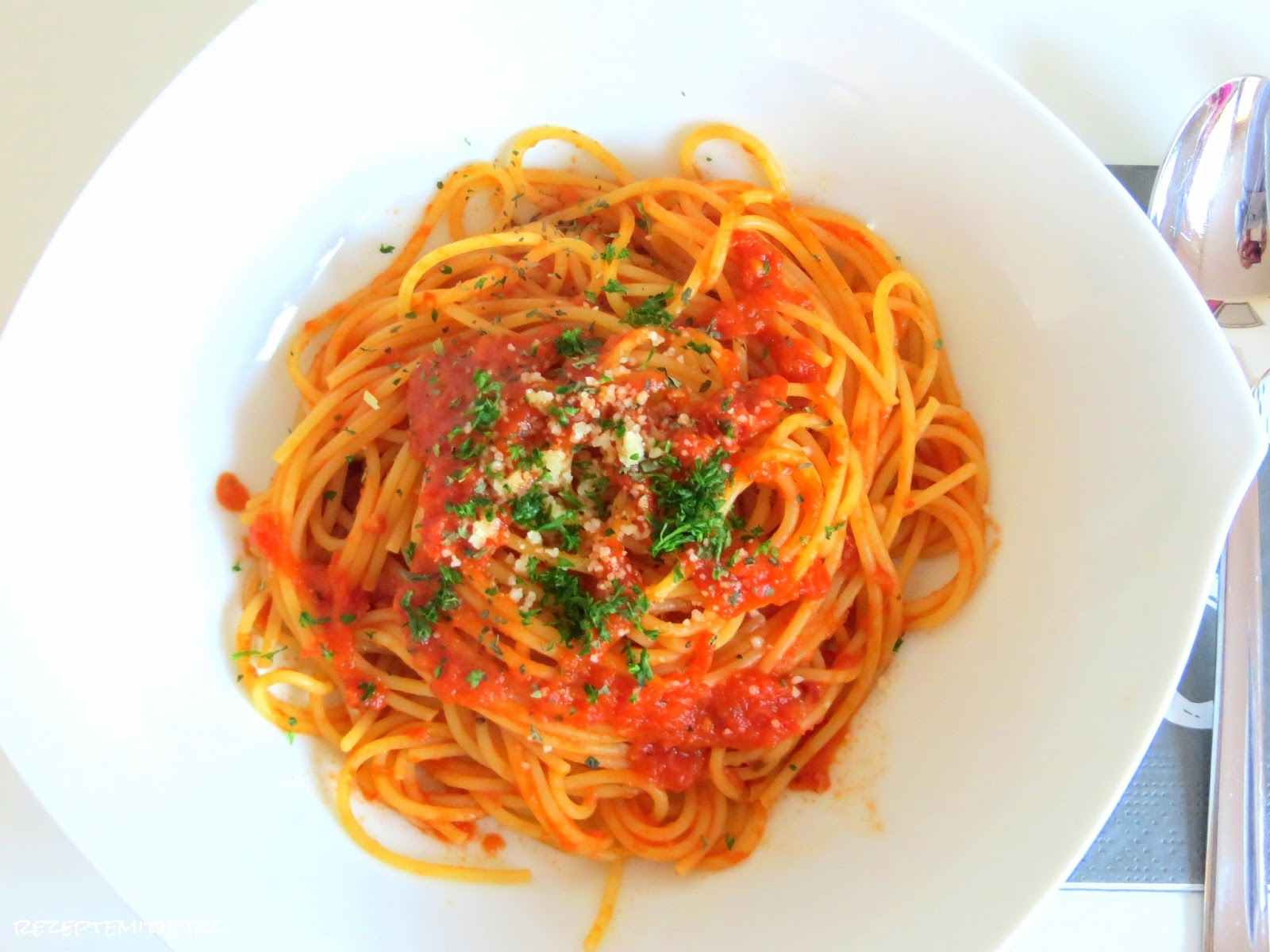 how to make spaghetti arrabiata