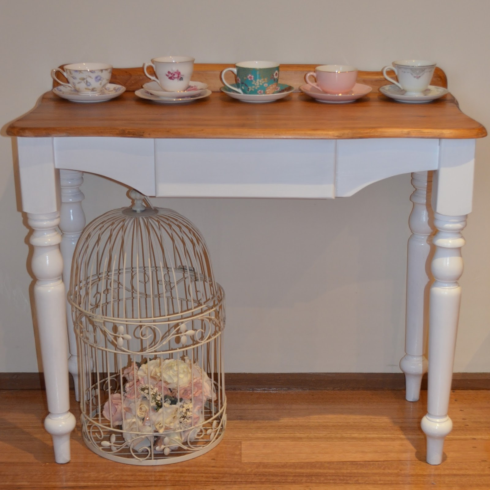 Retro Vintage Love French Provincial Shabby Hall Table