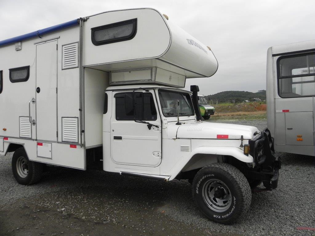100 Toyota Motorhome 4x4 Global Camper 4x4 Dodge