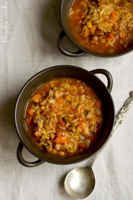 Zupa z fasolą czarne oczko przepis