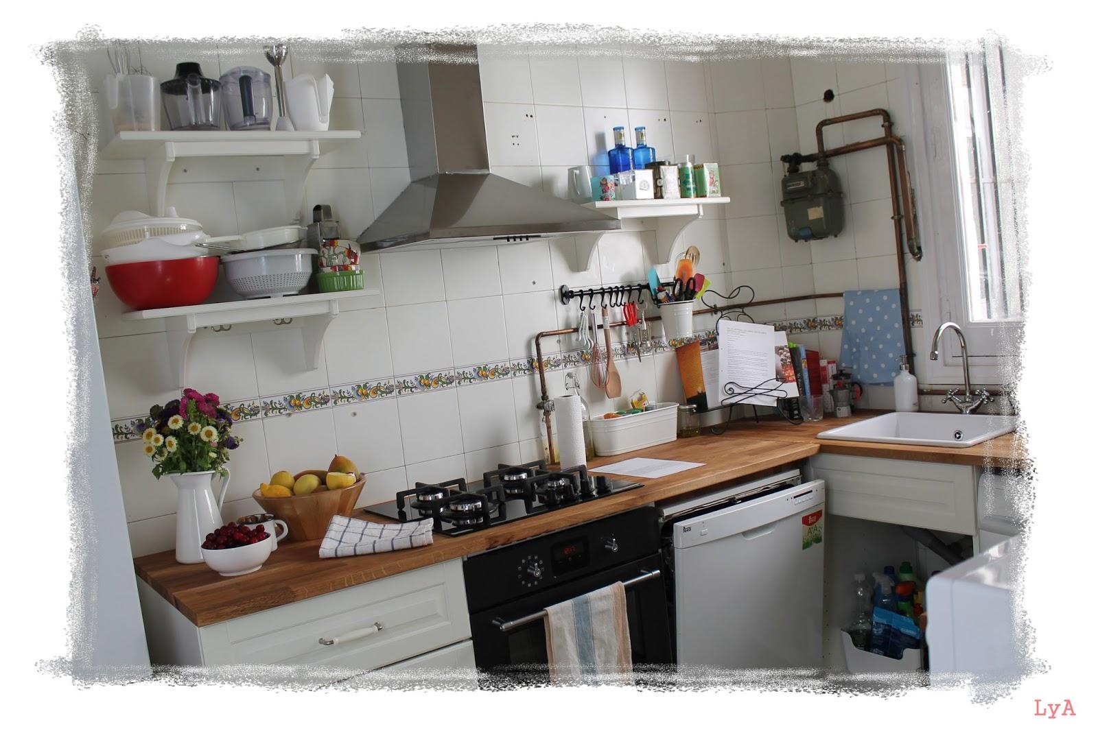 Cocinando un abril encantado mi cocina de ikea for Cocina con vitroceramica