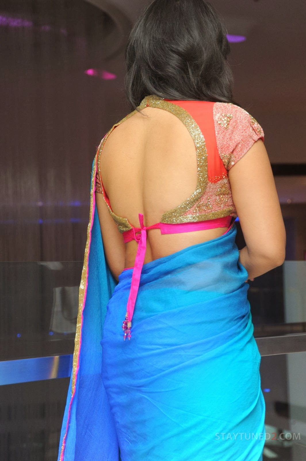 Anjali sexy back in saree, Anjali back in saree, south actress hot back in saree