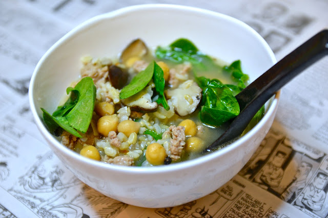 ... of an Amateur Cook: Hearty spinach and chickpea soup with turkey