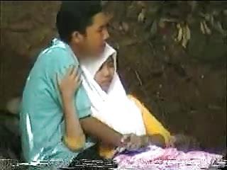 Jilbab Mesum Ditempat Umum