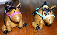 2 объемные сидящие квиллинг-лошадки
