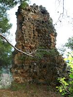 La torre mestra, torre de l'homenatge o torre romana del Castell de Sant Jaume
