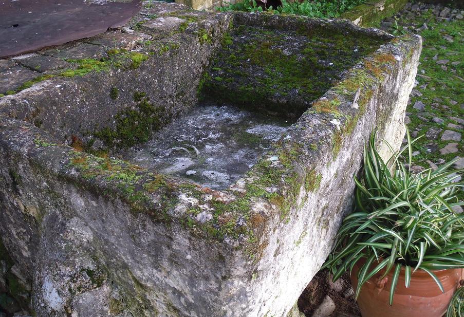 La sierra de c rdoba en cabri ana la vieja pila de lavar for Pila de lavar