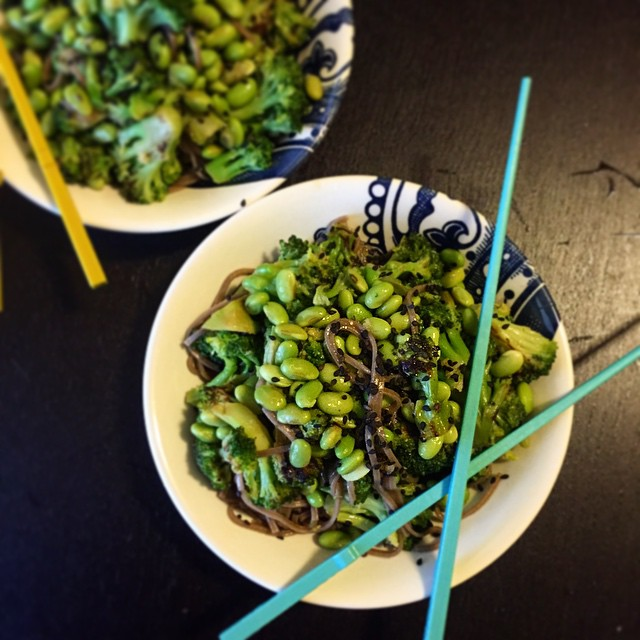 Meatless Monday: Broccoli and Edamame Soba Noodle Bowls