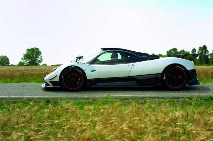 New Car Design Pagani Zonda Cinque Roadster 2010