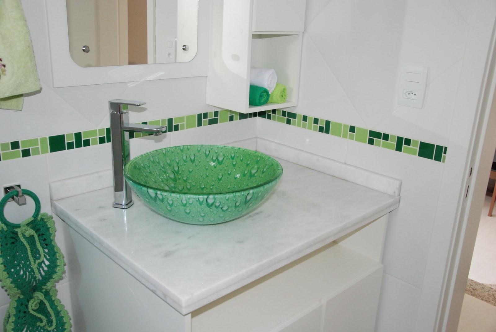 Banheiro Com Bancada Em Silestone Estelar Azul E Miscelanea Especial  #184532 1600x1071 Bancada Banheiro Azul