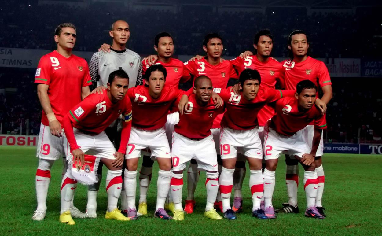 http://1.bp.blogspot.com/-PF83_xo-rzU/TmokhbYOkkI/AAAAAAAAACw/5oN8Hkpsh_w/s1600/Timnas-Indonesia.jpg