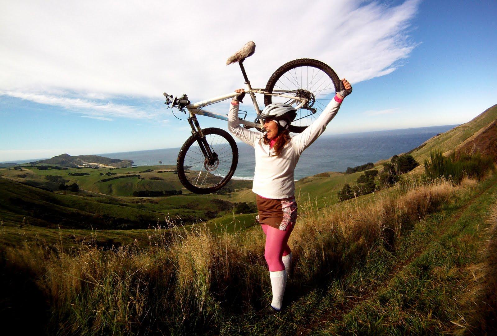 http://1.bp.blogspot.com/-PFBxXc9L7nk/Tdr1F91spUI/AAAAAAAABAQ/Je7DvVbFPc0/s1600/jen+and+bike+photo.JPG