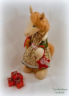 Картинка лошадка. Символ 2014 года. Текстильная лошадка.