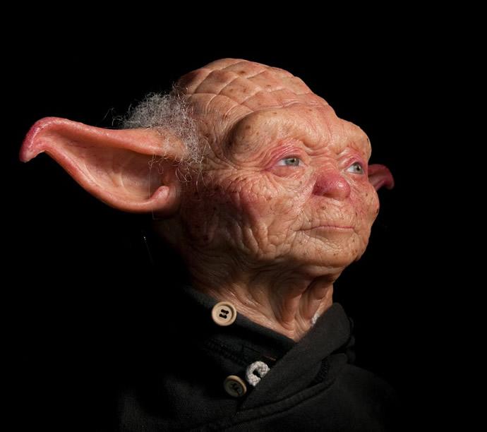Escultura hiperrealista do Mestre Yoda