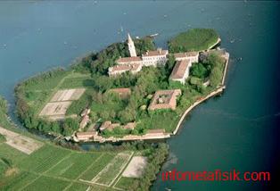 Misteri Poveglia, Pulau Angker yang Dipercaya 'Kerajaan Para Hantu Italia' - infometafisik.com