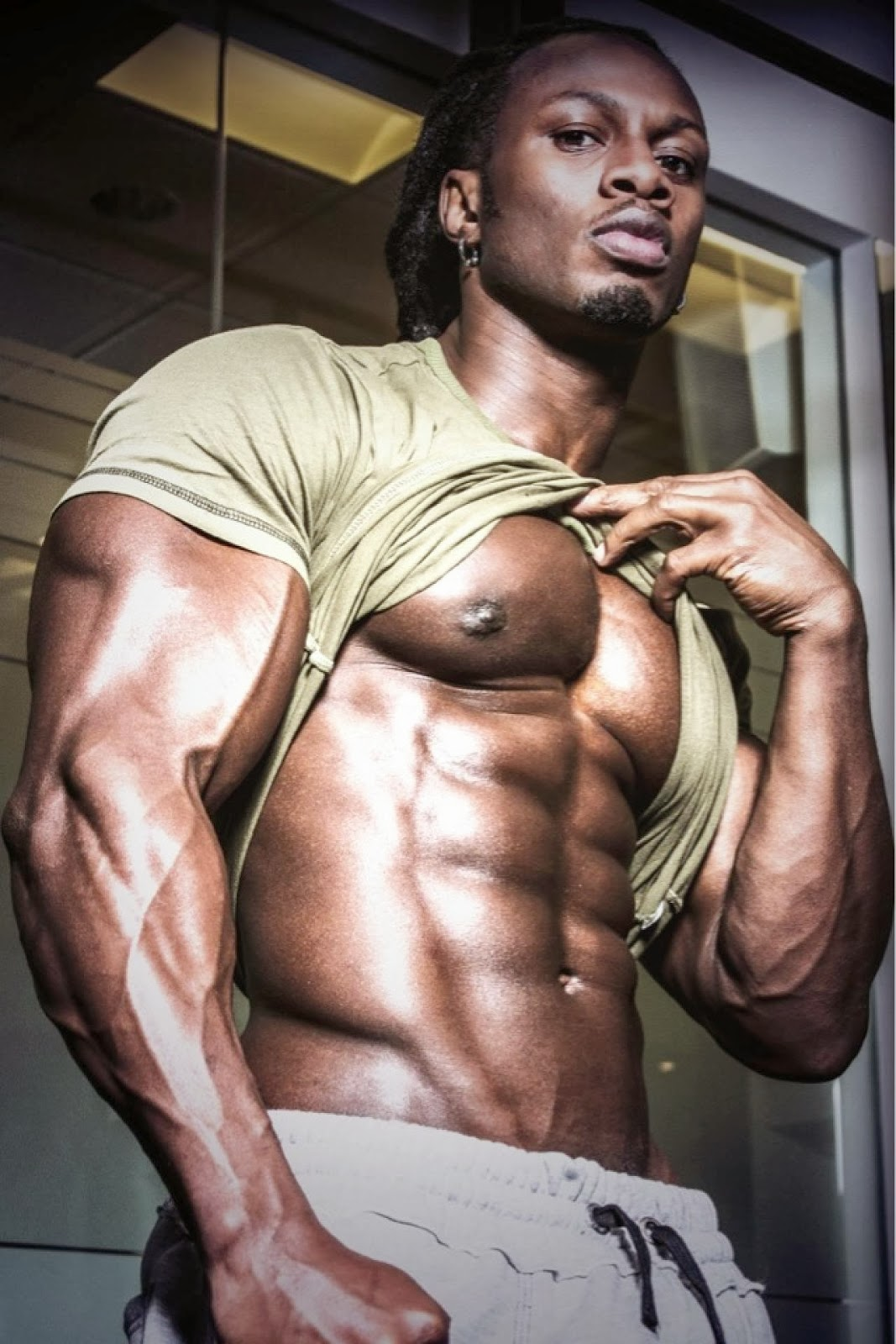 Ulisses Jr - Male Fitness Model