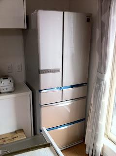冷蔵庫はシャープのSJ-XF52T-Sプラズマクラスター搭載フレンチドア515L