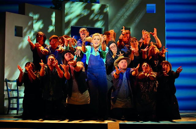Donna money Mamma Mia! musical international tour Sara Poyzer