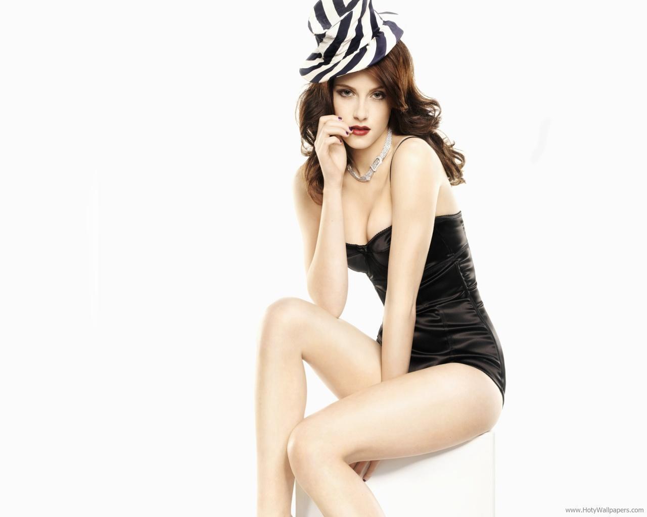 http://1.bp.blogspot.com/-PFzx4mAQW8U/To6_2pQOFYI/AAAAAAAALtY/OguOiz1cAOM/s1600/kristen_stewart_bikini_wallpaper.jpg