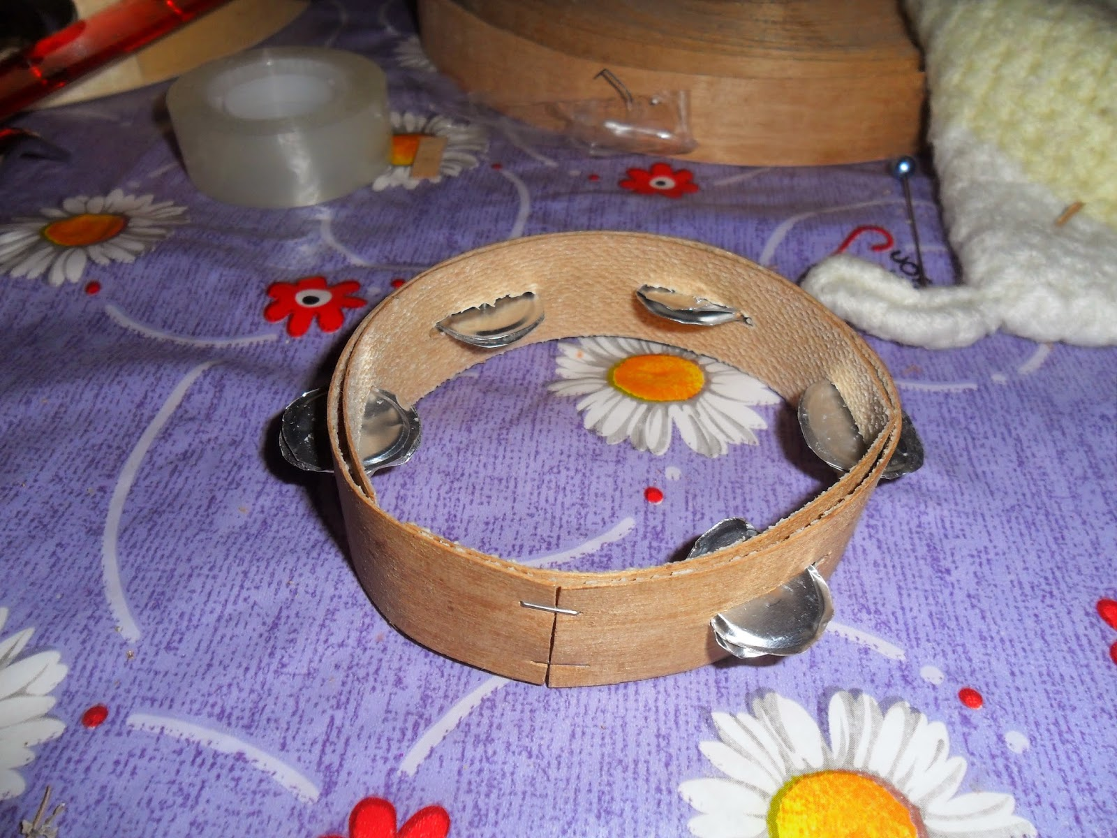 How to make a doll tambourine