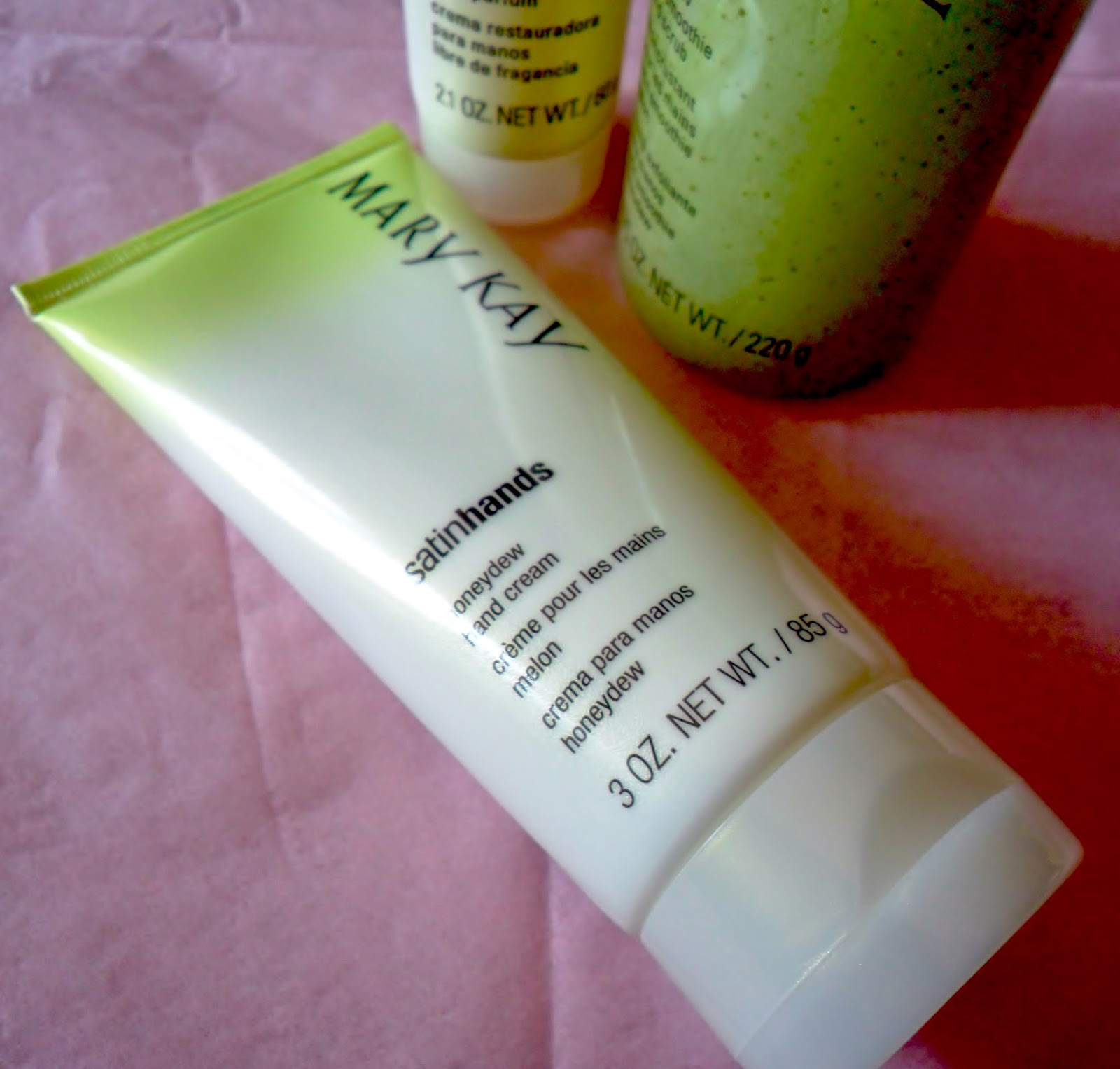 Review: Mary Kay Limited-Edition Honeydew Satin Hands Pampering Set