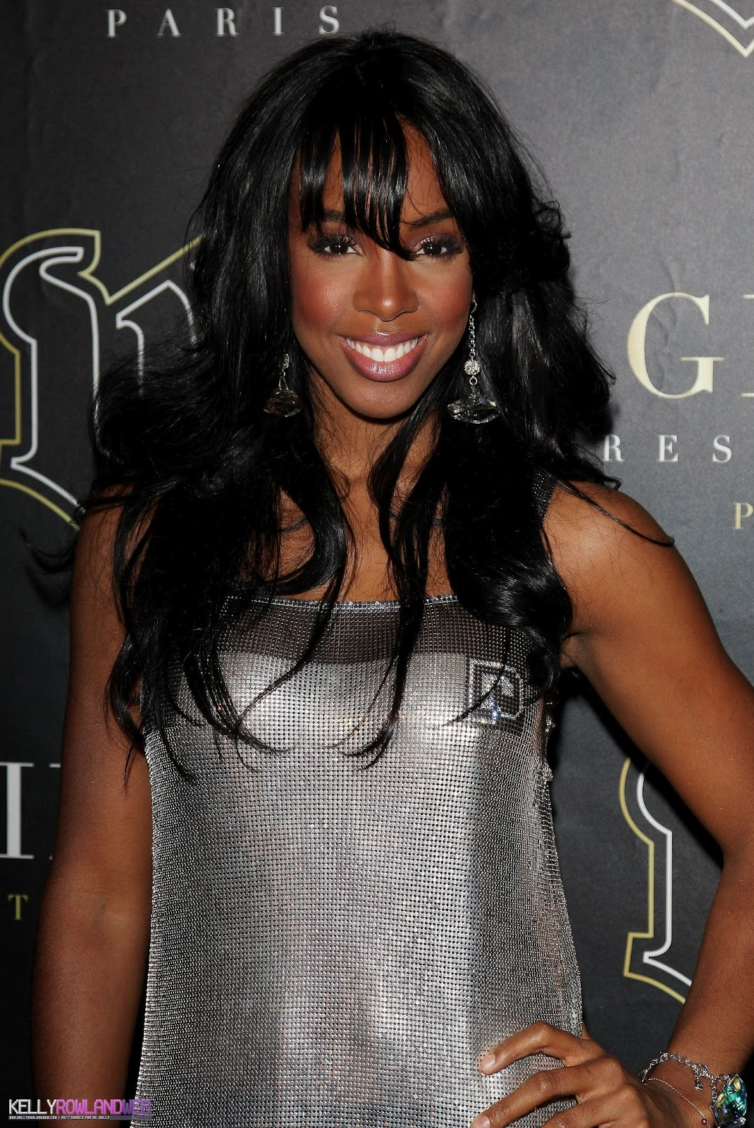 http://1.bp.blogspot.com/-PGi46zF1qYg/UB2J_4-TXRI/AAAAAAAAFQQ/OuLROjDifC8/s1600/Kelly-Rowland-hairstyle-pictures-singer-actress-celebrity-on%2Band%2Bon-Kelly-Rowlands-wallpapers%2B(12).jpg