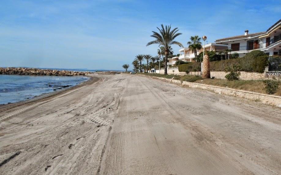 playa santa pola limpia